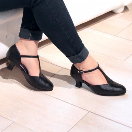 Brenda - Chaussures de danse fermée en cuir noir et bride salomé - Merlet